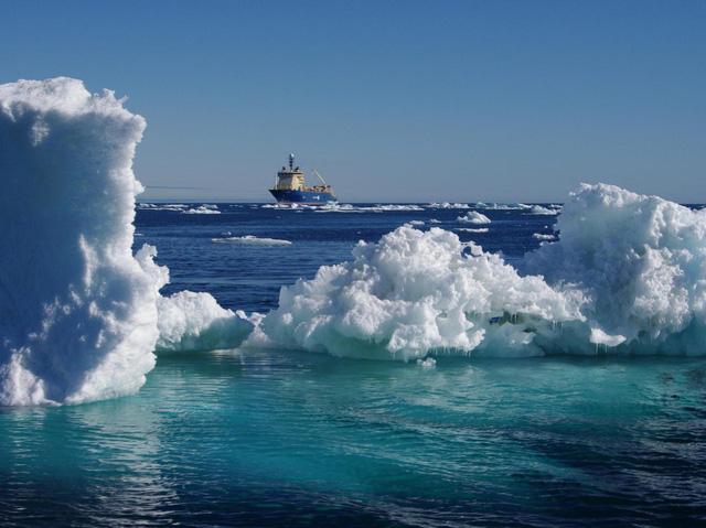 Google, Facebook đặt hàng nghìn dặm cáp quang dưới đáy biển như thế nào? - Ảnh 1.