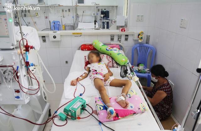 Cân não giành sự sống cho hàng trăm em bé F0 nguy kịch ở bệnh viện tuyến cuối điều trị Covid-19 - Ảnh 5.