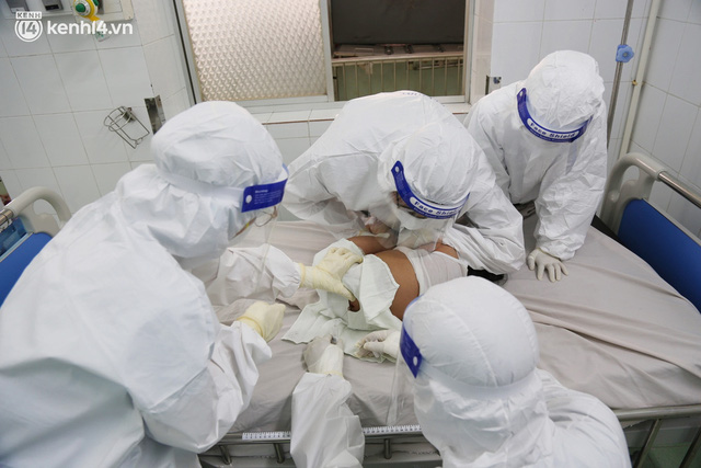 Cân não giành sự sống cho hàng trăm em bé F0 nguy kịch ở bệnh viện tuyến cuối điều trị Covid-19 - Ảnh 6.
