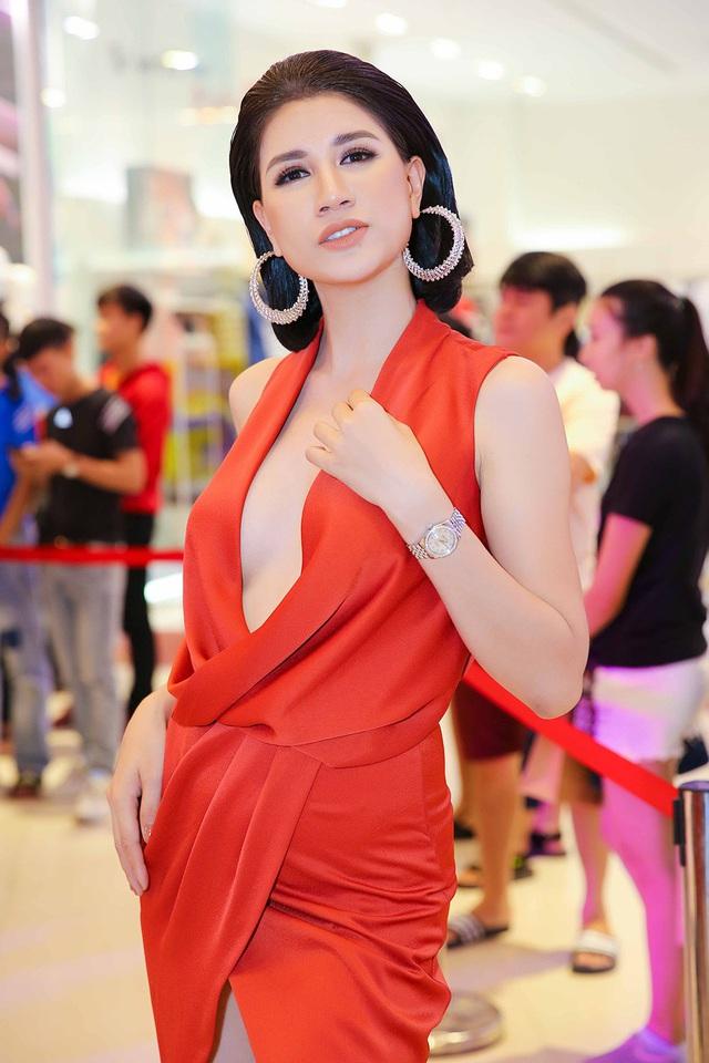Cựu người mẫu Trang Trần tiết lộ về khoản tiền sống không thể sao kê, khẳng định việc ăn chặn rất khó để phát hiện - Ảnh 2.
