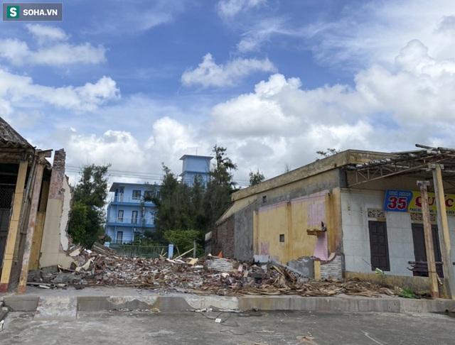 Xóa sổ toàn bộ hơn 100 ki ốt dọc bãi biển Quất Lâm, khu vực từng nhức nhối với nạn mại dâm - Ảnh 3.