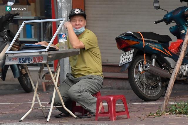 Hà Nội: Phố thời trang, nội thất mở cửa công khai dù chưa được phép - Ảnh 10.
