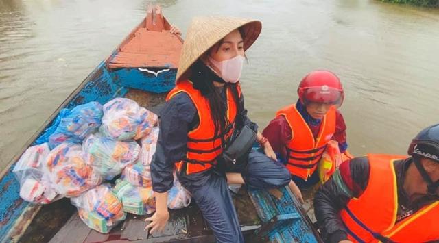 Thủy Tiên, MC Phan Anh tham gia bàn luận về vấn đề Cá nhân làm từ thiện thế nào cho đúng? - Ảnh 3.