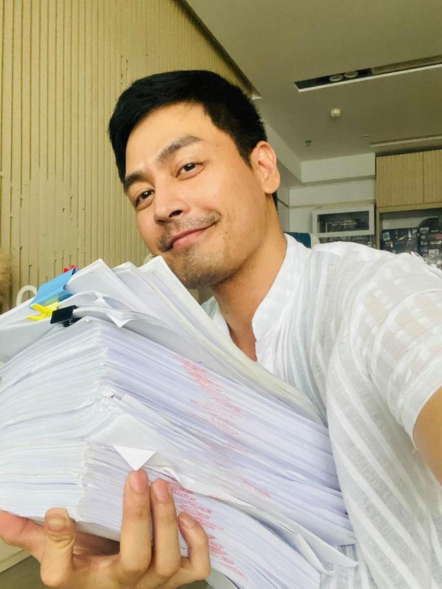 MC Phan Anh nói thẳng vụ từ thiện năm 2016: Mọi người hỏi tôi có tham không, chắc chắn phải trả lời là có tham! - Ảnh 2.