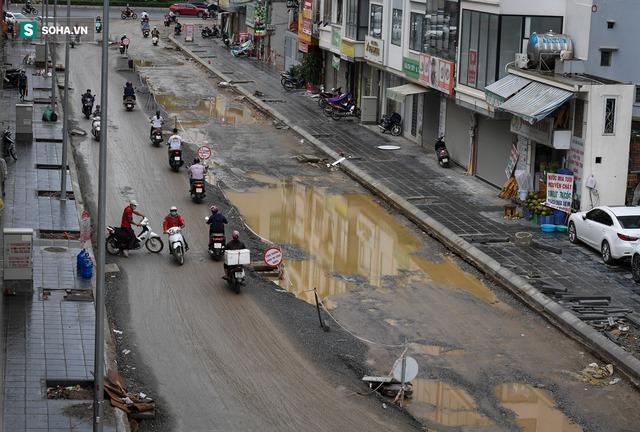 [ẢNH] Con đường dài 400m, làm 3 năm không xong ở Hà Nội - Ảnh 1.