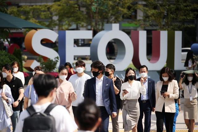 Số ca COVID-19 ở Hàn Quốc tăng vọt lên mức kỷ lục sau Trung thu - Ảnh 1.