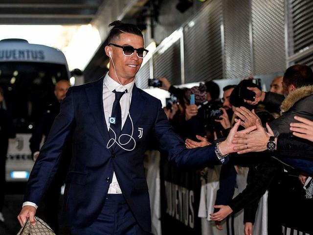 Tài sản 500 triệu USD nhưng Ronaldo vẫn nghe gọi bằng điện thoại Trung Quốc đời cũ, dùng 4 năm liên tục không lên đời - Ảnh 2.