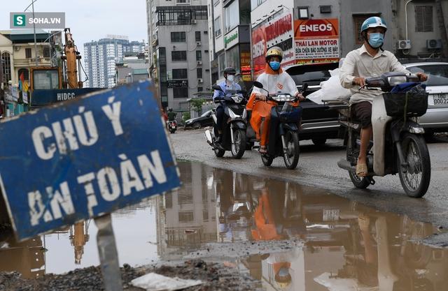 [ẢNH] Con đường dài 400m, làm 3 năm không xong ở Hà Nội - Ảnh 11.