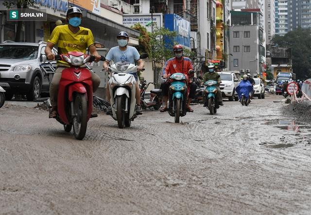 [ẢNH] Con đường dài 400m, làm 3 năm không xong ở Hà Nội - Ảnh 3.