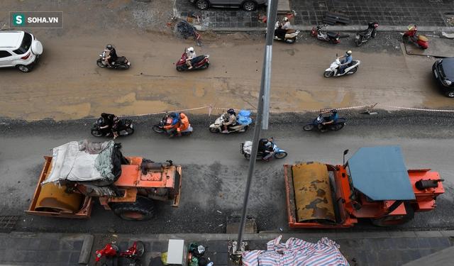 [ẢNH] Con đường dài 400m, làm 3 năm không xong ở Hà Nội - Ảnh 8.