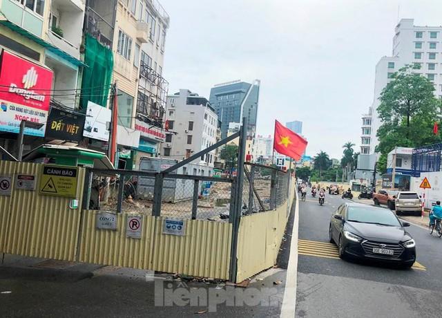 Cận cảnh ga ngầm metro Hà Nội bị nhà thầu nước ngoài dừng thi công - Ảnh 8.