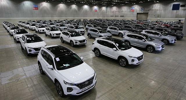 Chuyện chưa từng thấy trong lịch sử thị trường ô tô Việt Nam - Ảnh 1.