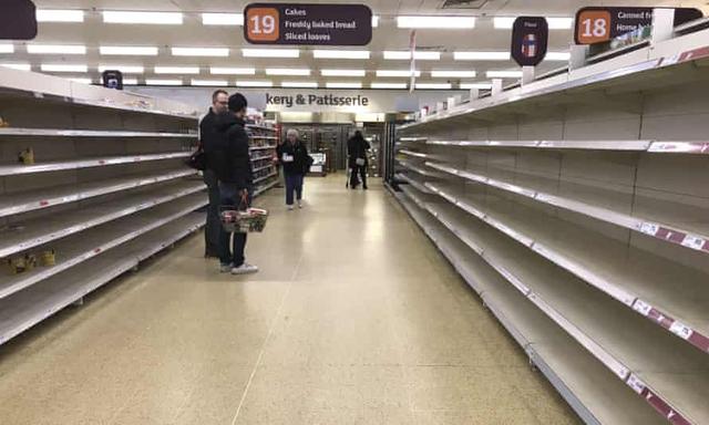Cái giá của Brexit với nước Anh: Một nửa trạm xăng trên toàn quốc đóng cửa vì thiếu nguồn cung, tình hình tồi tệ tới mức Thủ tướng sẵn sàng điều động quân đội - Ảnh 3.