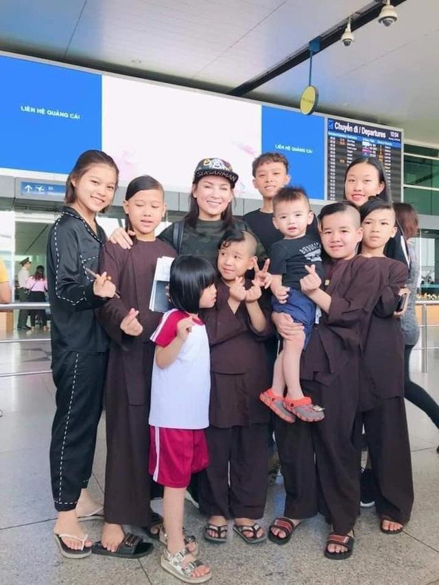 Doanh nhân Hoàng Kiều thông báo sẽ thay Phi Nhung nuôi 23 đứa trẻ mồ côi và khẳng định: Sẽ tiếp tục dạy dỗ cho các em thành người - Ảnh 3.