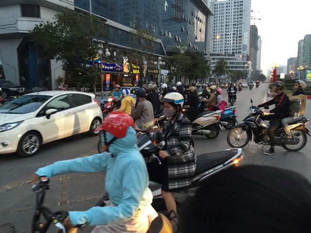 Cố tình đi vào làn xe BRT có thể bị phạt tới 1,2 triệu đồng với ô tô, 400.000 đồng với xe máy