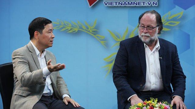 GS Harvard nói về căn bệnh già vẫn chưa giàu của Việt Nam - Ảnh 2.