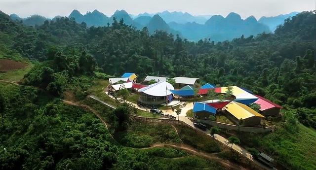 Trường tiểu học Lũng Luông chính là món quà ý nghĩa nhất dành cho trẻ em dân tộc vùng cao nơi đây.