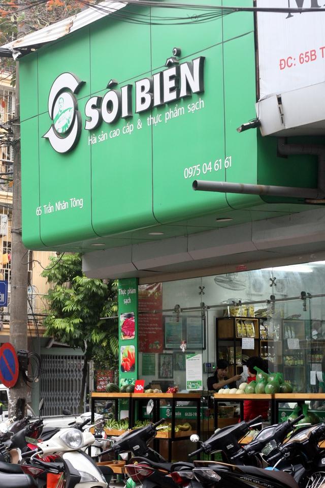 Chuỗi cửa hàng Sói Biển có doanh thu vài chục triệu đồng/ngày ở mỗi điểm bán. (Ảnh: Trung Hiền/Vietnam+)