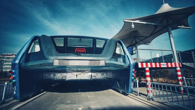 Hạ tầng dành cho xe buýt nhanh TEB chỉ còn là... đống sắt vụn ở Trung Quốc