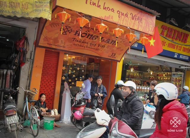 Cửa hàng Hồng Lam Thứ nhất ở phố Hàng Đường, Hà Nội.