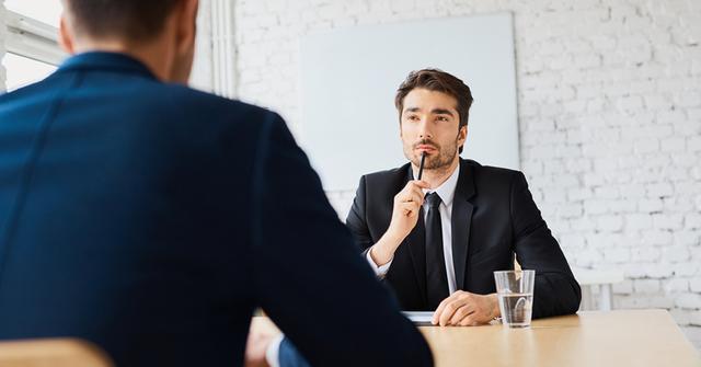 Ở Mỹ, bạn thậm chí không được học Quản trị kinh doanh nếu quá non kinh nghiệm!