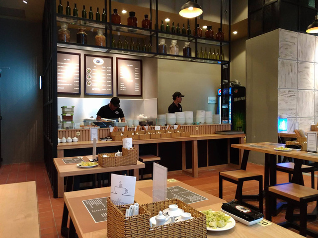 Từ Phở 24, Phở Ông Khải đến giấc mơ về bếp ăn thế giới của ẩm thực Việt Nam - Ảnh 1.