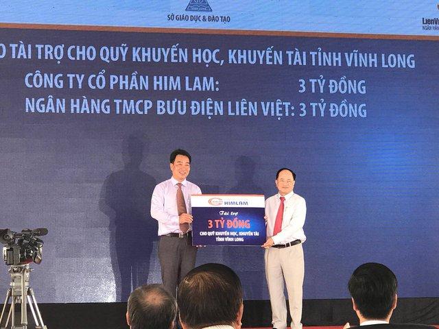 Học sinh Song Phú tỉnh Vĩnh Long khai giảng cùng niềm vui trường mới - Ảnh 2.