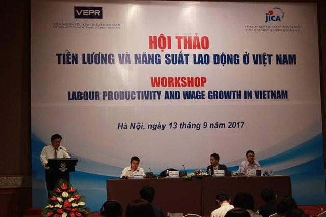 VEPR chỉ ra mặt trái của tăng lương tối thiểu: Không bảo vệ được người thu nhập thấp, nhiều lao động bị đẩy ra khỏi thị trường - Ảnh 1.