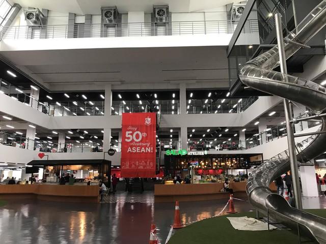 Bên trong trụ sở RedQ của Air Asia