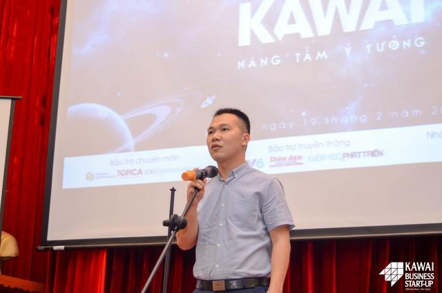 Ảnh 2: Thầy Hoàng Tuấn Dũng - Bí thư đoàn trường Đại học Ngoại Thương phát biểu mở đầu buổi Thuyết phục Nhà đầu tư