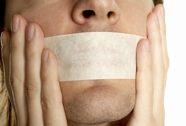 Hãy thận trọng hơn trong lời nói của mình