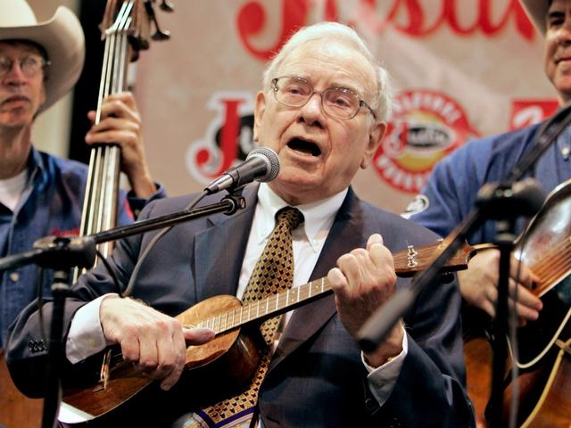 Tuy nhiên, Betty Gallagher đã không dao động. Dù vậy, sở thích chơi đàn của Buffett vẫn theo ông tới tận bây giờ. Ông thường thể hiện tài năng này tại cuộc gặp hay sự kiện mình tham gia.