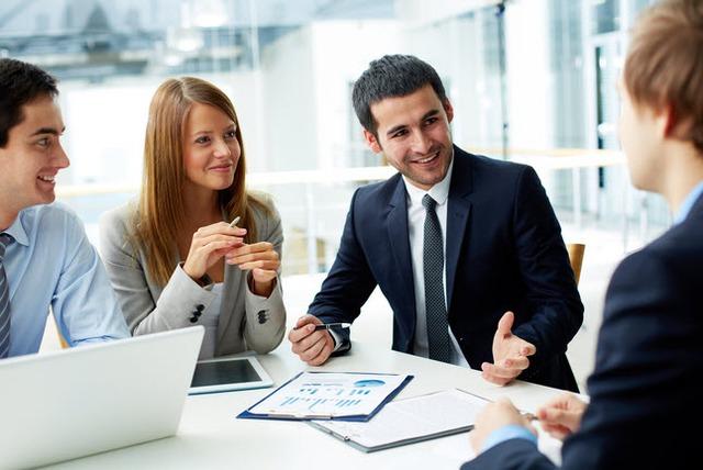 10 nguyên tắc vàng trong giao tiếp ai cũng cần phải biết - Ảnh 2.