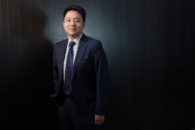 Vua sòng bạc Ma Cao đầu tư hàng tỷ USD vào Việt Nam, Nhật Bản - Ảnh 1.