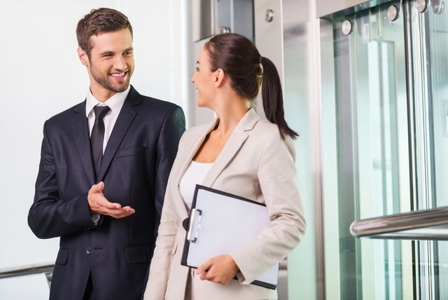 Hài hước là có những người làm việc bằng miệng nhiều hơn bằng đầu, công việc họ làm còn chẳng có gì liên quan tới giao tiếp hay sales. Bất ngờ thật!