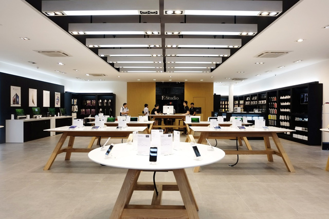 Cửa hàng F.Studio by FPT - chuyên kinh doanh các sản phẩm chính hãng của Apple