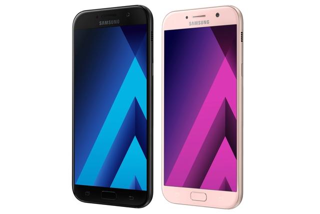Galaxy A7 (2017) có màn hình lớn nhất 5,7 inch.