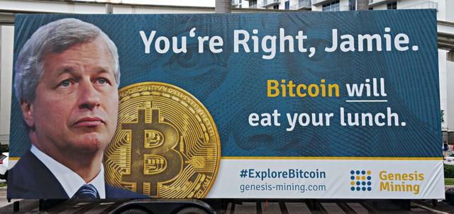 Bitcoin lập đỉnh kỷ lục gần 5.800 USD: 4 lý do vì sao đồng tiền ảo này tăng giá mạnh mẽ trong quý III đến vậy - Ảnh 2.