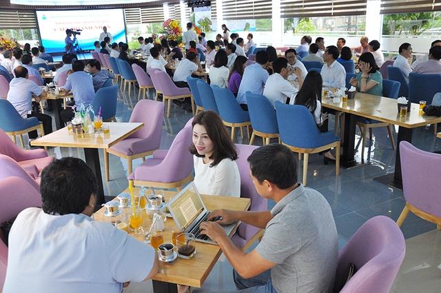 Vì sao từ Quảng Ninh cho đến Hà Nội, Tp.HCM đều đồng loạt học theo mô hình quán cà phê doanh nhân của Đồng Tháp? - Ảnh 2.