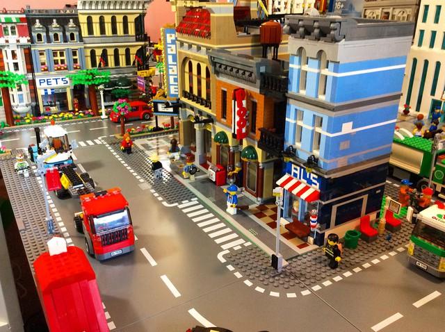 Vì sao cộng là đồ chơi Lego doanh số tậm tịt ở Mỹ nhưng qua Đức nhanh chóng thành công dù không hề thay đổi gì? - Ảnh 1.