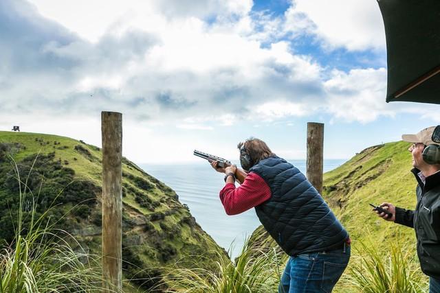 Một hoạt động khác là bắn súng Clay Target.