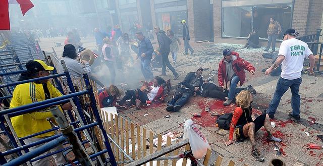 Đồng phạm Dzhokhar Tsarnaev và hiện trường vụ án ở Boston.