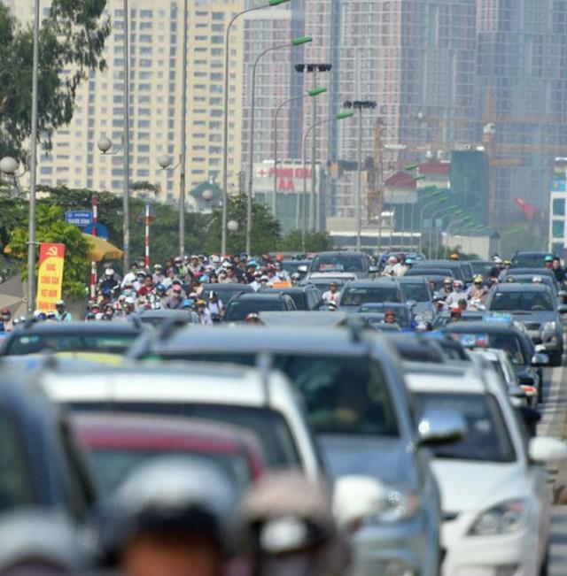 Đường Tố Hữu, điểm gần vị trí Siêu thị AEON Mall Hà Đông hiện đã thường xuyên xảy ra tắc đường nghiêm trọng. Ảnh Zing news.