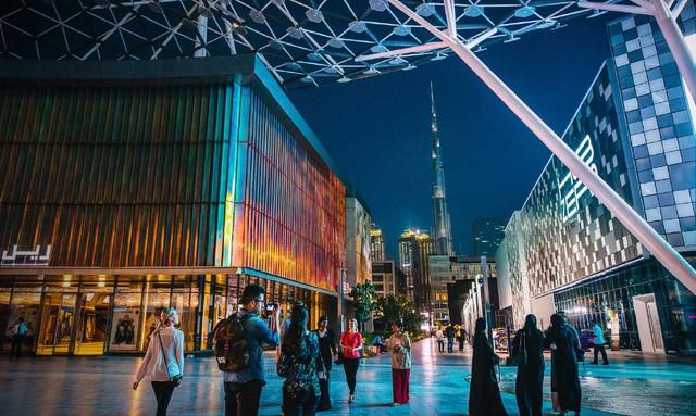 Chỉ có gió và cát, đây là cách Dubai khiến cả thế giới đổ xô tới để du lịch, mua sắm - Ảnh 2.