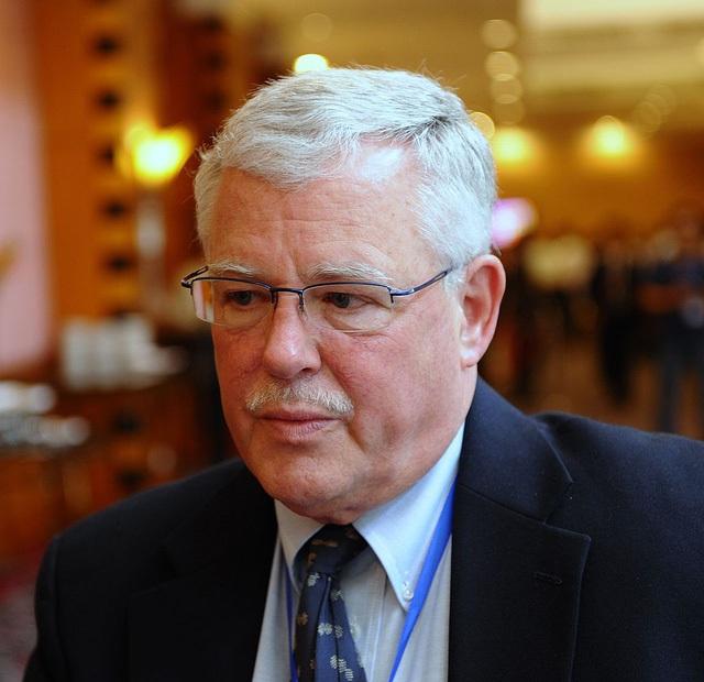 Giáo sư Carl Thayer - Học viện Quốc phòng Australia.