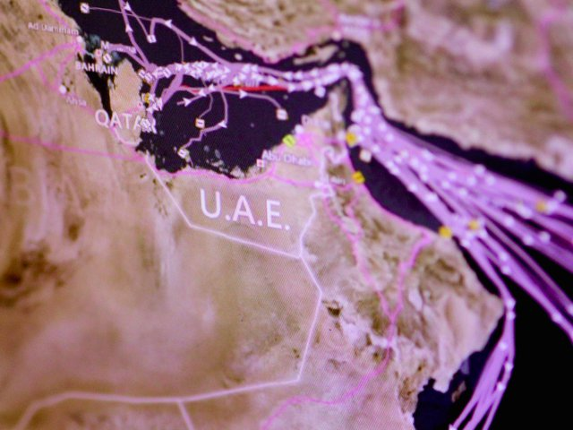 Qatar: Gã nhà giàu cô độc trước nguy cơ ngã ngựa - Ảnh 5.