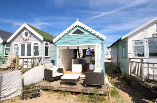 Với giá bán lên tới 280.000 bảng Anh (tương đương hơn 8 tỷ đồng), đấy được xem là ngôi nhà bên bờ biển đắt nhất ở nước Anh.