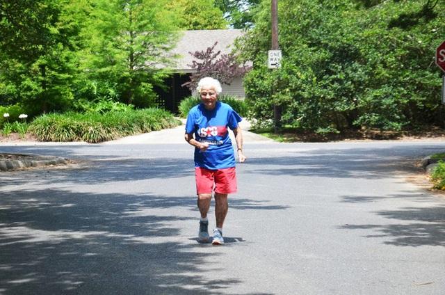 5 bài học cuộc sống từ cụ bà 101 tuổi phá kỷ lục thế giới: chạy 100m chỉ mất 40.12 giây - Ảnh 1.