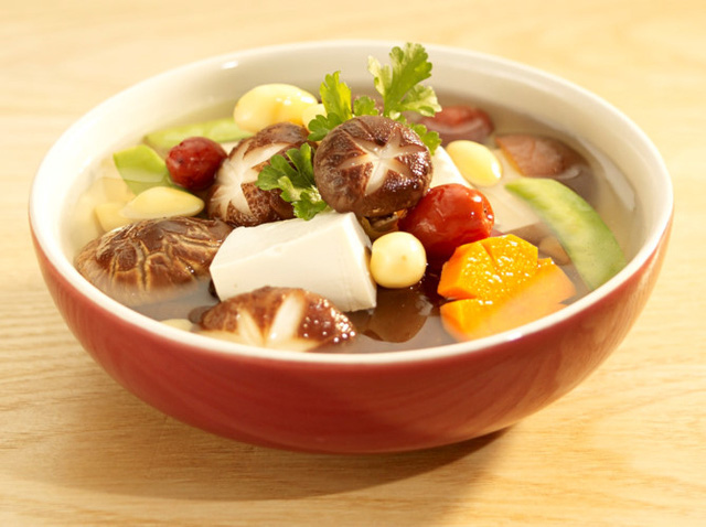 Cách ăn uống giữ sức khỏe để sống thọ như người Nhật - Ảnh 1.