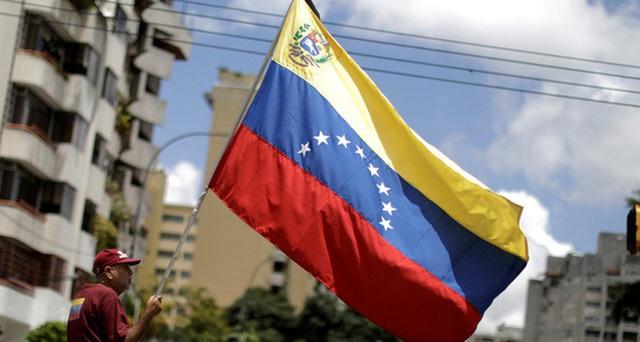 Người dân Venezuela biểu tình vì tình hình đất nước bất ổn, lạm phát lên đến hàng nghìn %
